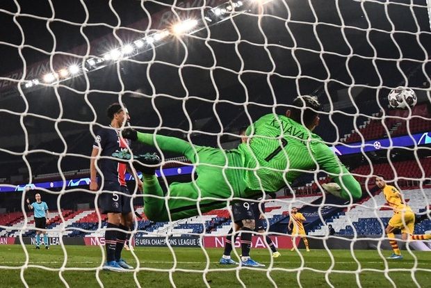 Messi đá hỏng phạt đền, Barca bị loại khỏi Champions League - Ảnh 3.