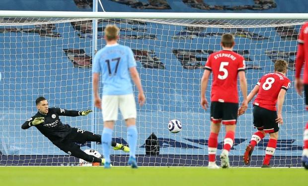 De Bruyne và Mahrez mỗi người 2 bàn, Man City huỷ diệt Southampton - Ảnh 3.