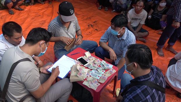Bắt giữ nhiều hot girl đi ô tô sang trọng từ TP.HCM về Tiền Giang đánh bạc - Ảnh 5.