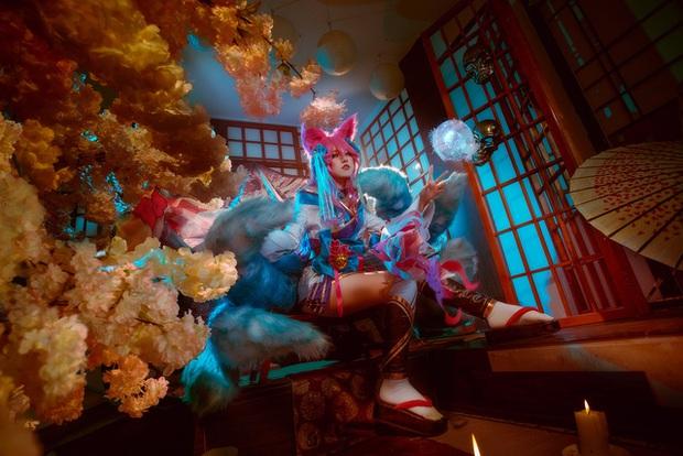 Ngất trên giàn quất với loạt ảnh cosplay Ahri Chiêu Hồn Thiên Hồ do mỹ nhân người Việt hóa thân - Ảnh 5.