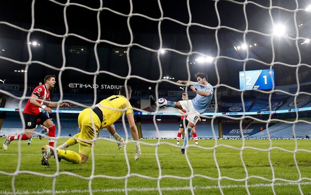 De Bruyne và Mahrez mỗi người 2 bàn, Man City huỷ diệt Southampton - Ảnh 6.