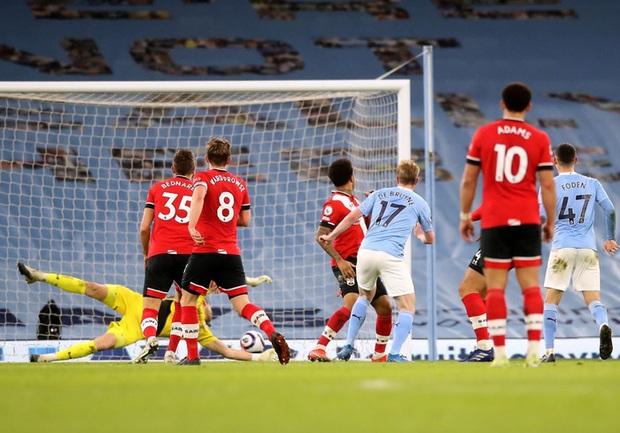 De Bruyne và Mahrez mỗi người 2 bàn, Man City huỷ diệt Southampton - Ảnh 9.