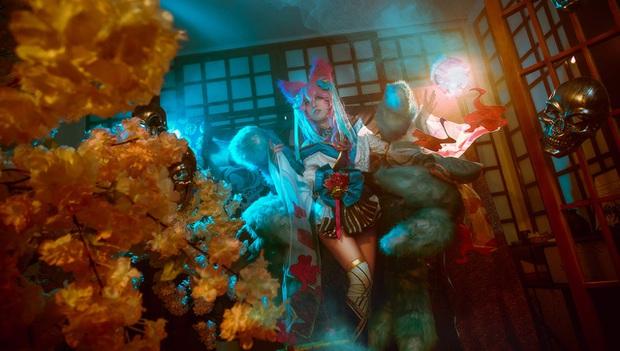 Ngất trên giàn quất với loạt ảnh cosplay Ahri Chiêu Hồn Thiên Hồ do mỹ nhân người Việt hóa thân - Ảnh 9.
