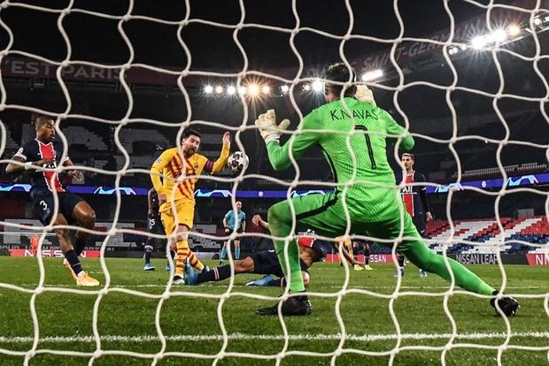 Messi đá hỏng phạt đền, Barca bị loại khỏi Champions League - Ảnh 10.
