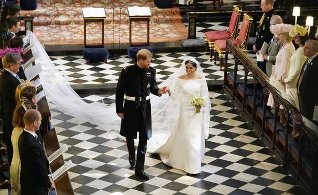Nhìn lại loạt khoảnh khắc khó quên của Hoàng tử Harry thời còn là đứa cháu cưng của gia tộc và là niềm tự hào của Nữ hoàng Anh - Ảnh 23.
