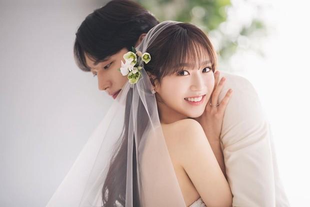 Sốc visual bộ ảnh rich kid xấc láo nhất Penthouse Han Ji Hyun hồi làm mẫu váy cưới: Xinh điên đảo, ở ngoài khác hẳn trên phim - Ảnh 10.