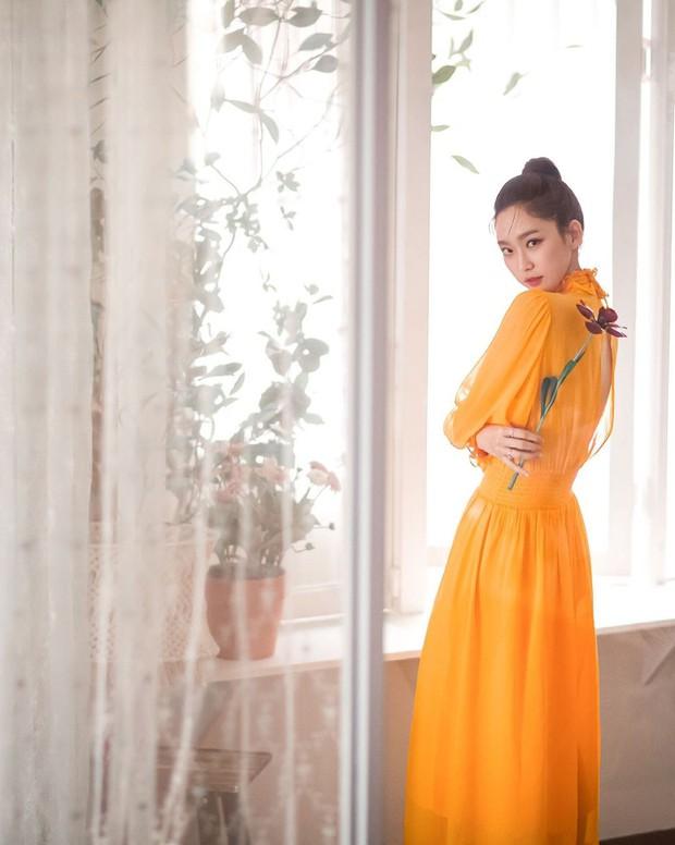 Sốc visual bộ ảnh rich kid xấc láo nhất Penthouse Han Ji Hyun hồi làm mẫu váy cưới: Xinh điên đảo, ở ngoài khác hẳn trên phim - Ảnh 9.
