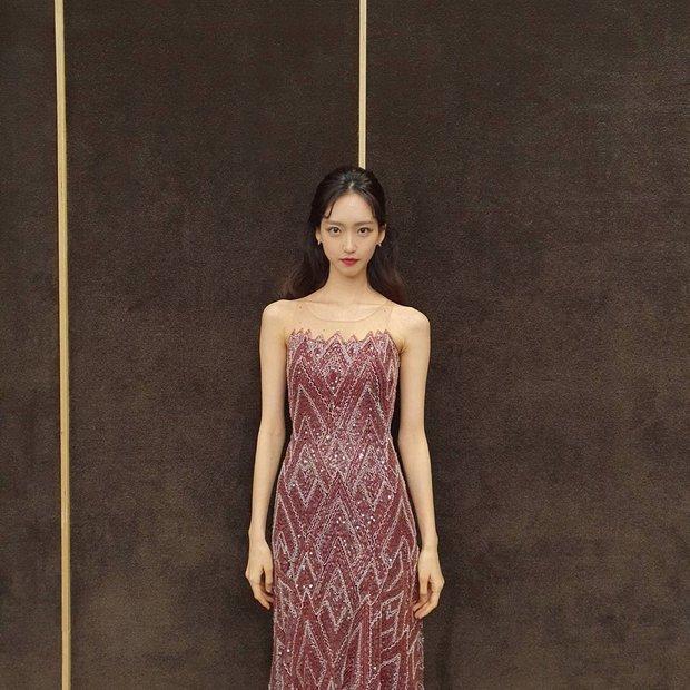 Sốc visual bộ ảnh rich kid xấc láo nhất Penthouse Han Ji Hyun hồi làm mẫu váy cưới: Xinh điên đảo, ở ngoài khác hẳn trên phim - Ảnh 16.