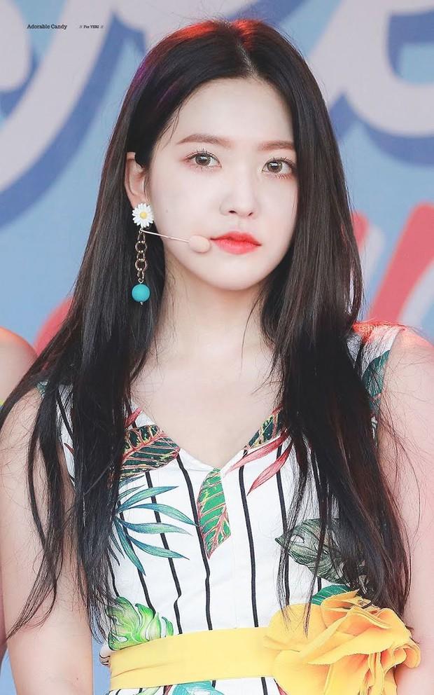 """Dàn búp bê sống của Kpop: Jisoo so kè ác liệt với nữ thần lai Nancy, """"thánh body"""" Gen Z và em út nhà JYP mắt to hiếm có - Ảnh 8."""