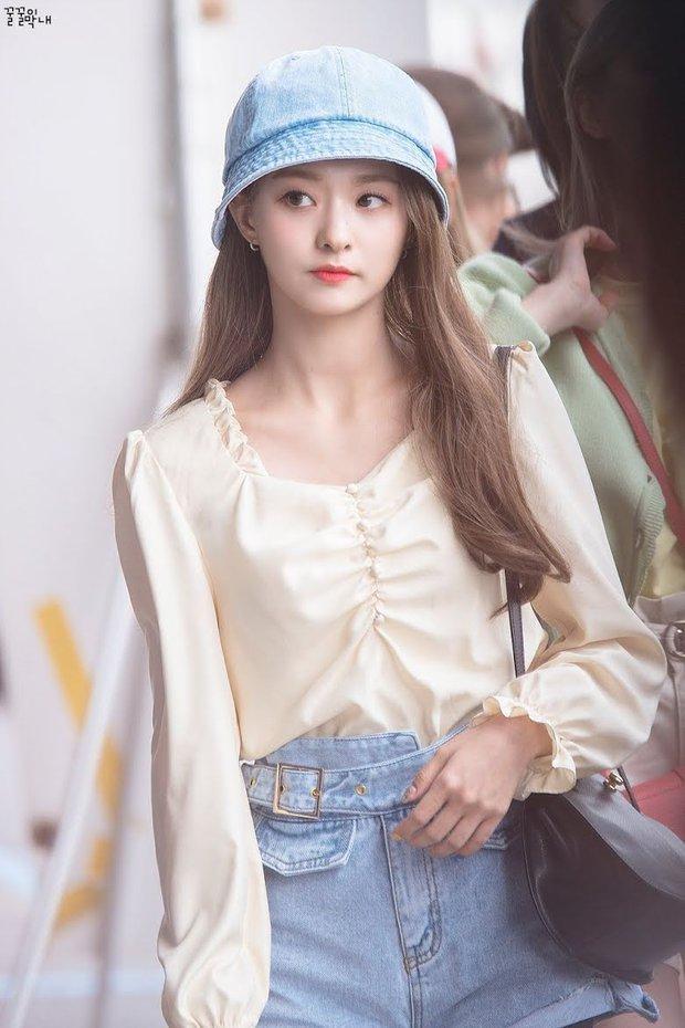 """Dàn búp bê sống của Kpop: Jisoo so kè ác liệt với nữ thần lai Nancy, """"thánh body"""" Gen Z và em út nhà JYP mắt to hiếm có - Ảnh 17."""