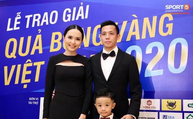 Ái nữ cựu chủ tịch CLB Sài Gòn so ảnh chồng khi được tag vs vợ chụp, nhìn là biết có tâm quá rùi nà - Ảnh 2.