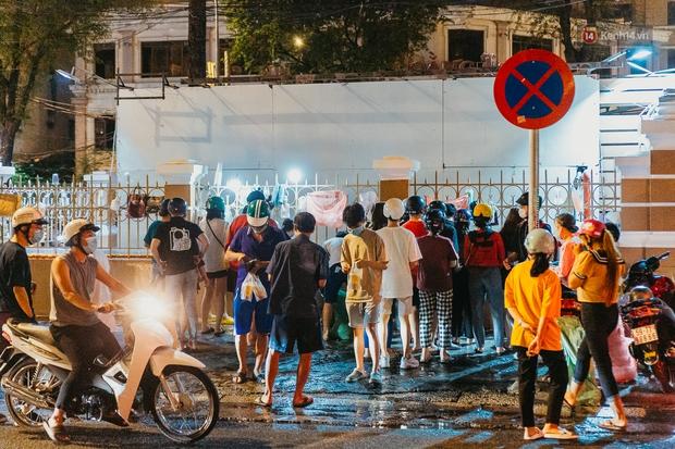 Chuyện lạ ở Sài Gòn: Khi quán xá sang chảnh cũng lép vế trước… hàng vỉa hè, nhìn 4 địa điểm dưới đây là hiểu rồi nghen! - Ảnh 1.