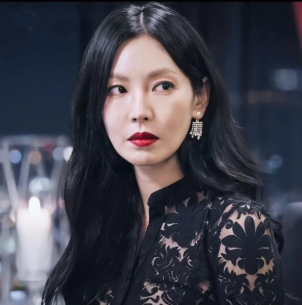 Bác sĩ thẩm mỹ phân tích gương mặt bộ 3 mỹ nhân đẹp nhất Penthouse: Eugene là báu vật, Kim So Yeon mang tỷ lệ... của nam giới? - Ảnh 15.
