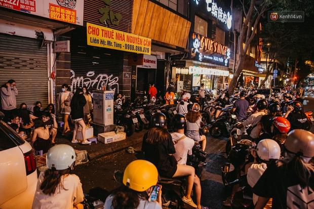 Chuyện lạ ở Sài Gòn: Khi quán xá sang chảnh cũng lép vế trước… hàng vỉa hè, nhìn 4 địa điểm dưới đây là hiểu rồi nghen! - Ảnh 9.