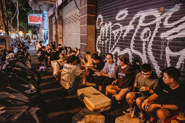 Chuyện lạ ở Sài Gòn: Khi quán xá sang chảnh cũng lép vế trước… hàng vỉa hè, nhìn 4 địa điểm dưới đây là hiểu rồi nghen! - Ảnh 10.