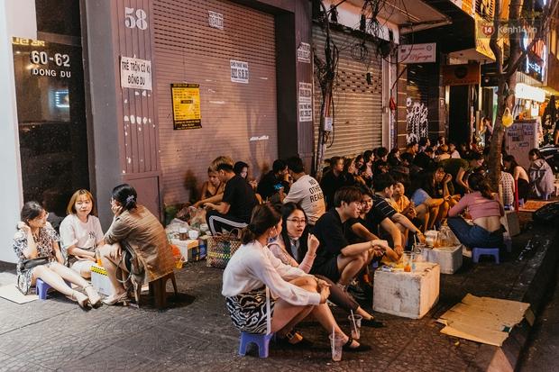 Chuyện lạ ở Sài Gòn: Khi quán xá sang chảnh cũng lép vế trước… hàng vỉa hè, nhìn 4 địa điểm dưới đây là hiểu rồi nghen! - Ảnh 14.