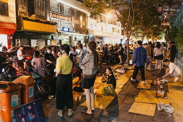 Chuyện lạ ở Sài Gòn: Khi quán xá sang chảnh cũng lép vế trước… hàng vỉa hè, nhìn 4 địa điểm dưới đây là hiểu rồi nghen! - Ảnh 12.