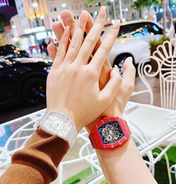 Gái xinh 2k2 An Giang đổi đời sau cuộc thi Hoa hậu Việt Nam, nhìn chiếc đồng hồ cương lấp lánh là biết! - Ảnh 5.