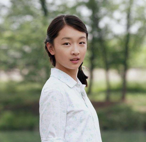 Châu Đông Vũ: Tam Kim Ảnh hậu chỉ biết EXO, không biết BTS và nghi án quy tắc ngầm với loạt đại gia khét tiếng - Ảnh 2.