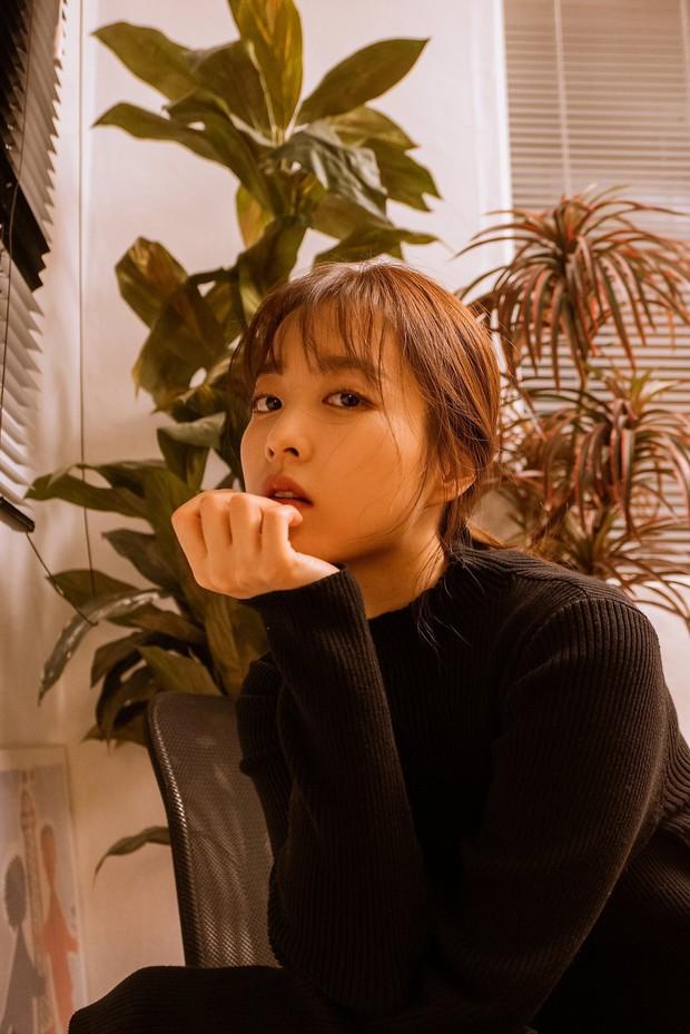 Knet phát sốt với loạt ảnh mới của Park Bo Young: Zoom cận mặt đẹp ngỡ ngàng, level hack tuổi đỉnh cao gây choáng váng - Ảnh 3.