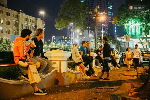 Chuyện lạ ở Sài Gòn: Khi quán xá sang chảnh cũng lép vế trước… hàng vỉa hè, nhìn 4 địa điểm dưới đây là hiểu rồi nghen! - Ảnh 7.