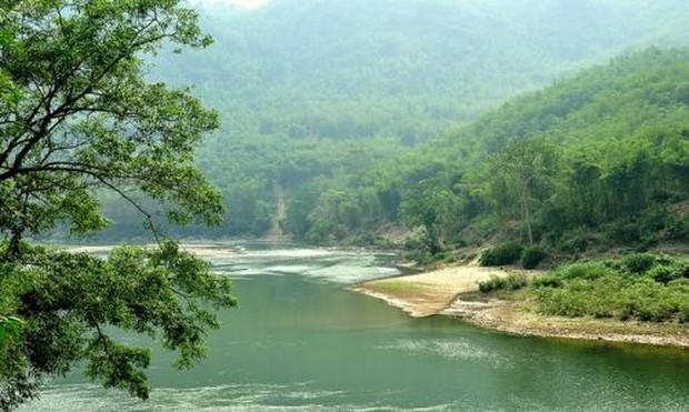 Tắm trên sông Mã, 2 nữ sinh đuối nước thương tâm - Ảnh 1.