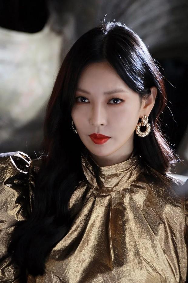 Bác sĩ thẩm mỹ phân tích gương mặt bộ 3 mỹ nhân đẹp nhất Penthouse: Eugene là báu vật, Kim So Yeon mang tỷ lệ... của nam giới? - Ảnh 14.