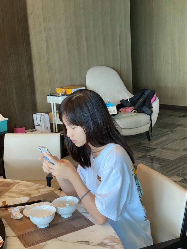 Cô em gái kém 18 tuổi của anh trai tốt nhất Trung Quốc bây giờ ra sao? - Ảnh 4.