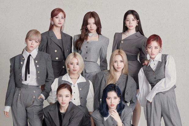 Tranh cãi top 30 girlgroup hot nhất xứ Hàn: Nhóm vô danh hồi sinh đấu tay đôi với BLACKPINK, IZ*ONE hot bất ngờ trước khi tan rã - Ảnh 7.