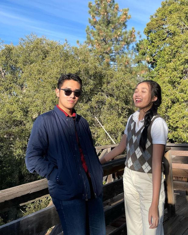 Nút vàng YouTube chính thức về tay Jenny Huỳnh, anh trai mặn mòi tiết lộ món quà cực độc cho em gái - Ảnh 4.