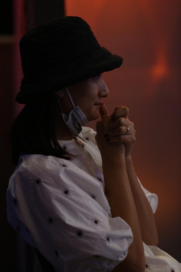 Lê Thúy rưng rưng nước mắt khi xem ông xã Đỗ An biểu diễn ở Trời Sinh Một Cặp - Ảnh 5.