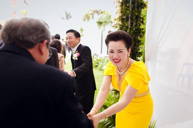 Cô dâu 200 cây vàng ở Nam Định tổ chức sinh nhật hoành tráng cho con gái nhưng nhan sắc đỉnh cao của bà ngoại mới đáng chú ý hơn cả - Ảnh 5.