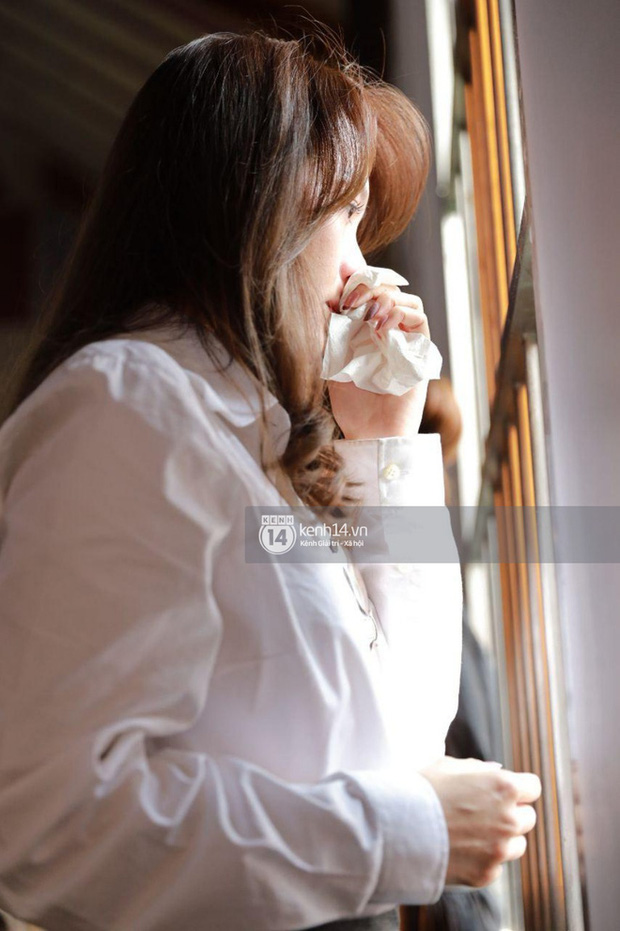 Dàn sao Vbiz tưởng niệm phù thuỷ make up Minh Lộc: Nhã Phương khóc nức nở, Minh Hằng - Lý Nhã Kỳ suy sụp tựa vào nhau - Ảnh 20.
