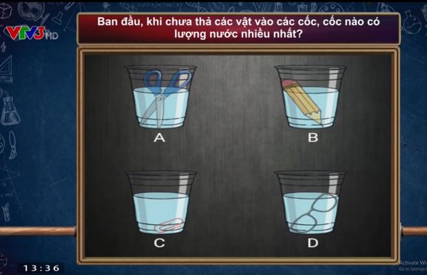 Câu hỏi dễ như cho của Olympia nhưng không phải ai cũng trả lời đúng: Cốc nào trong số 4 cốc sau có lượng nước ban đầu nhiều nhất? - Ảnh 1.