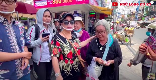 xóᴛ xᴀ hoàn cảnh NS cải lương Trang Thanh Xuân 71 tuổi: Sống trong phòng trọ vỏn vẹn 6m2, bệnh tật vẫn đi bán vé số - Ảnh 2.
