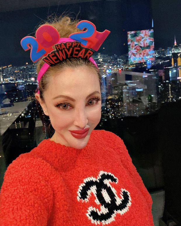 Thảm hoạ mặt rắn Hong Kong Tiết Chỉ Luân: Tiểu thư sống xa xỉ hậu ly hôn, nhan sắc ở tuổi 57 ngày càng biến dạng - Ảnh 6.