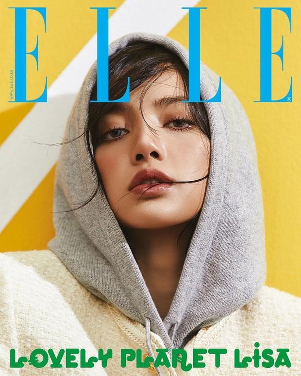 Rửa mắt xem Jennie - Lisa (BLACKPINK) đại chiến trên bìa tạp chí: Eo siêu nhỏ có đọ lại vòng 1 nghẹt thở của Chanel sống? - Ảnh 3.