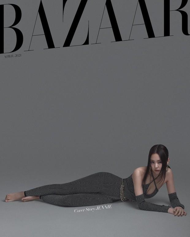 Rửa mắt xem Jennie - Lisa (BLACKPINK) đại chiến trên bìa tạp chí: Eo siêu nhỏ có đọ lại vòng 1 nghẹt thở của Chanel sống? - Ảnh 6.