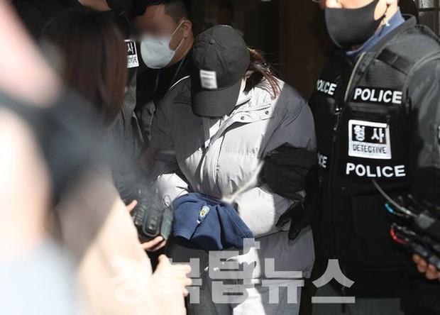 Cái chết của bé gái con bà ngoại: Hình ảnh đầu tiên của nạn nhân được công bố, ông ngoại khẳng định không biết vợ sinh nở - Ảnh 1.