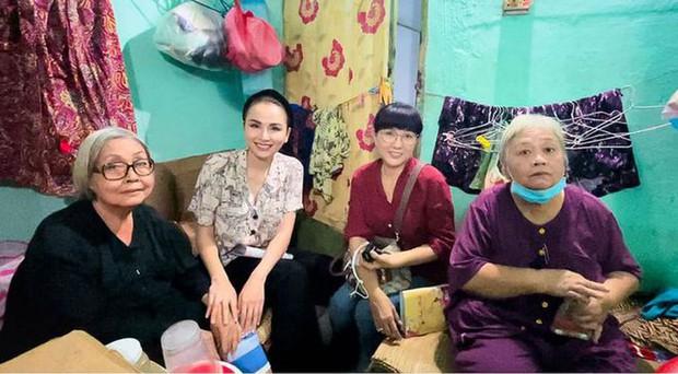Xót xa hoàn cảnh NS cải lương Trang Thanh Xuân 71 tuổi: Sống trong phòng trọ vỏn vẹn 6m2, bệnh tật vẫn đi bán vé số - Ảnh 8.