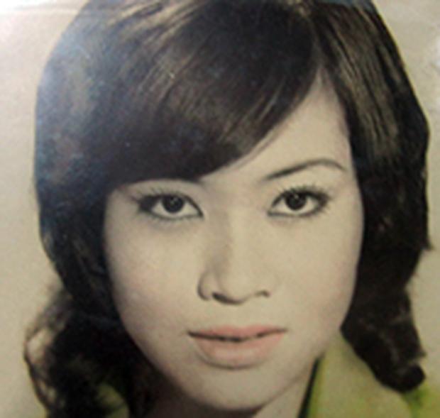 Xót xa hoàn cảnh NS cải lương Trang Thanh Xuân 71 tuổi: Sống trong phòng trọ vỏn vẹn 6m2, bệnh tật vẫn đi bán vé số - Ảnh 10.