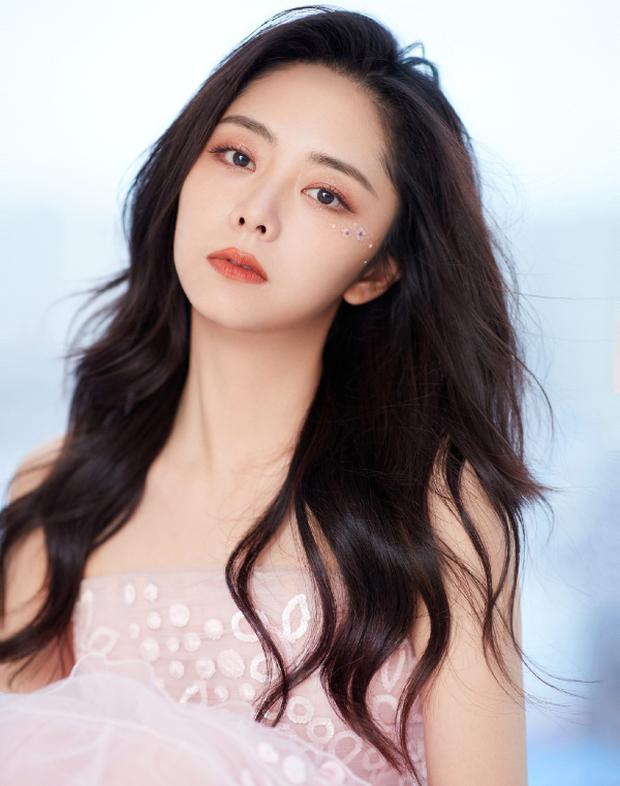 2 tin hot dồn dập Weibo: Đàm Tùng Vận bí mật ly hôn, Trương Vũ Kiếm thừa nhận có con với nữ thần Bên Nhau Trọn Đời - Ảnh 2.