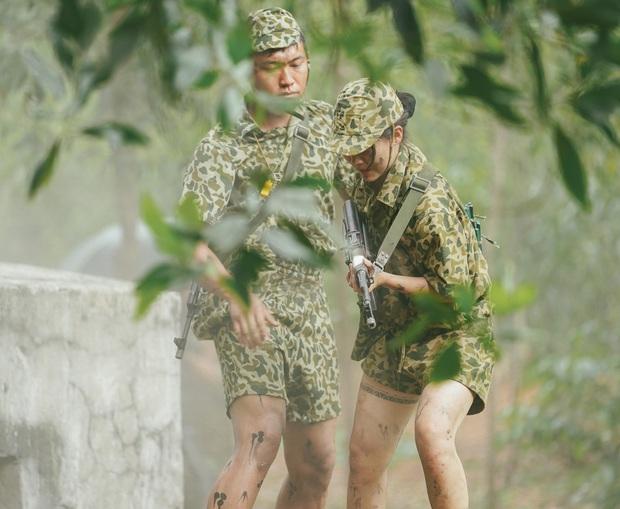 Hậu Hoàng: Các chị em nhìn vào bảo trông mình và Long như 2 thằng đàn ông chơi với nhau vậy - Ảnh 5.