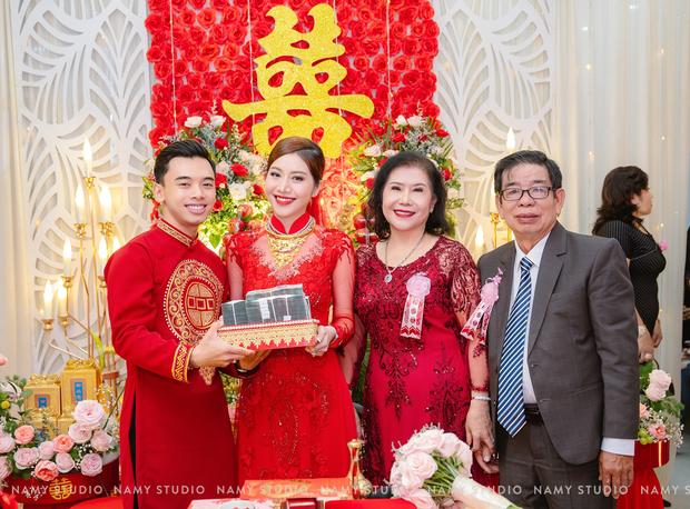 """Đám cưới với của hồi môn """"khủng"""" ở An Giang: Chú rể là con trai cả tiệm vàng, cô dâu là ái nữ nhà một đại lý vé số - Ảnh 1."""