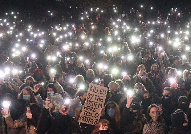 Vụ mất tích chấn động nước Anh: Cô gái biến mất giữa phố đông người không vết tích, danh tính thủ phạm gây làn sóng biểu tình toàn quốc - Ảnh 4.