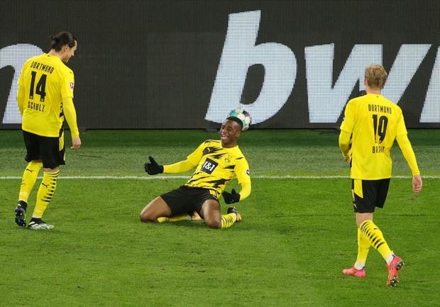 Những điểm nhấn vòng 25 Bundesliga 2020/21: Vòng đấu của người Nhật Bản - Ảnh 3.