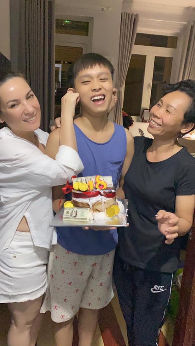 Hồ Văn Cường thay đổi ra sao hậu drama bị mẹ nuôi Phi Nhung tố căng đét ngày 29 Tết? - Ảnh 3.