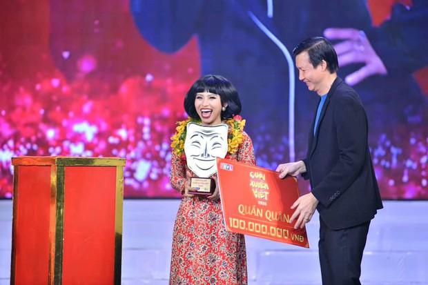 Ngọc Phước lãnh 100 triệu tiền Quán quân Cười Xuyên Việt, Minh Dự lập tức vào đòi nợ - Ảnh 1.