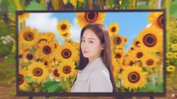 Kim Tae Hee bất ngờ xuất hiện trong MV của con riêng Bi Rain: Thế này ai nghĩ là mẹ bỉm U40 đã 2 con? - Ảnh 6.