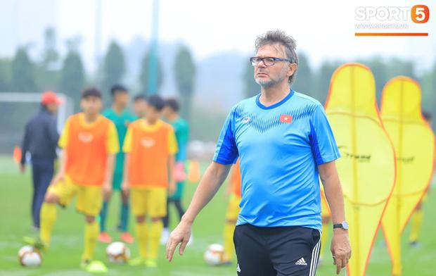 HLV Philippe Troussier và mục tiêu dự Olympic, World Cup cùng U18 Việt Nam - Ảnh 1.